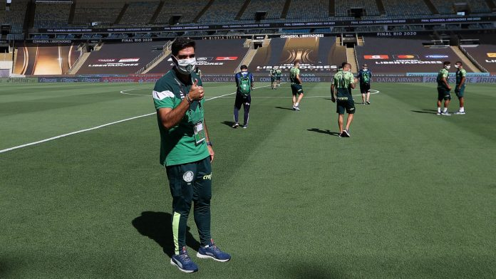 Técnico português Abel Ferreira fez severas críticas ao desordenado calendário do futebol brasileiro (Foto: Cesar Grecco/Palmeiras)