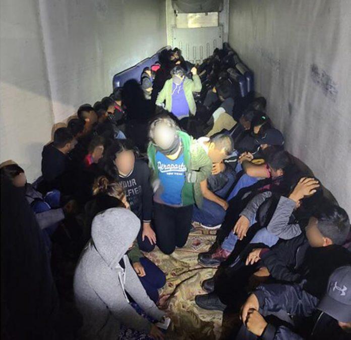 Brasileiros estavam entre os imigrantes presos em operação do CBP (Foto: Divulgação)