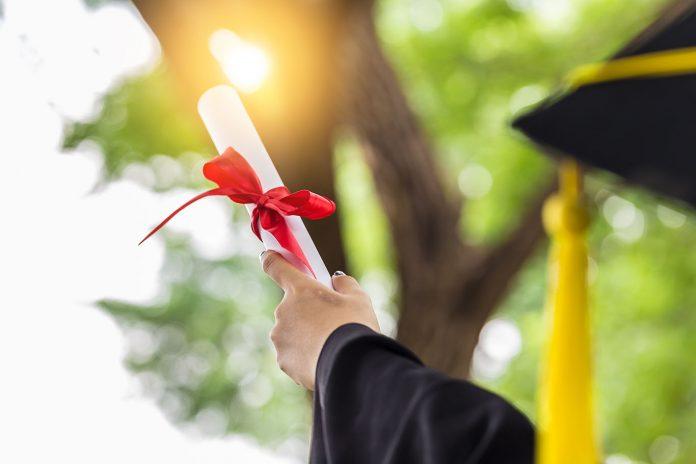 A validação coloca o candidato com diploma brasileiro em busca de emprego no mesmo nível que um candidato que tenha estudado nos Estados Unidos (Foto: Divulgação)