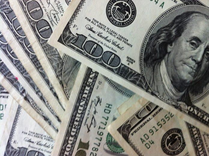 Discussão sobre contas em dólar chega ao Brasil (Foto: Flickr)
