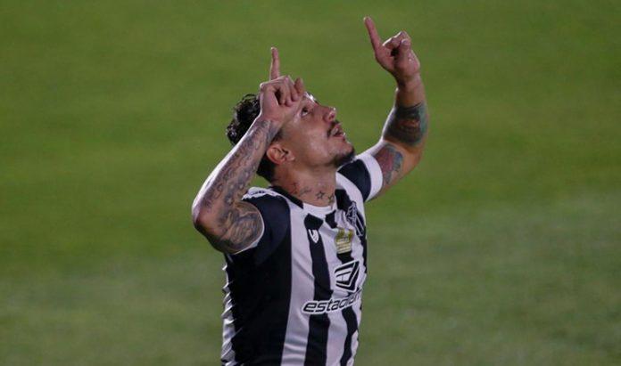 Vina, destaque do Ceará, entrou na Seleção do Campeonato Brasileiro 2020