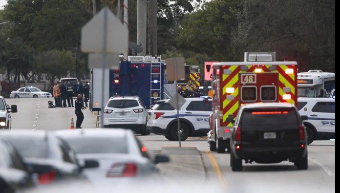 Área que vai da Nob Hill Rd, entre a NW 44th St e a West Oakland Park Blvd. foi fechada para as investigações (foto: Reprodução, Miami Herald)