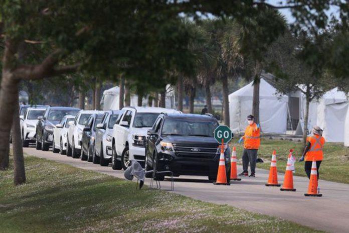 Posto de vacinação Convention Center, no condado de Orange, em Orlando (foto: Orange county)