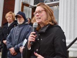 Christine Barber, deputada estadual em Massachusetts, é co-autora do projeto de lei que permite aos imigrantes indocumentados obterem carteira de motorista (Foto: Divulgação)