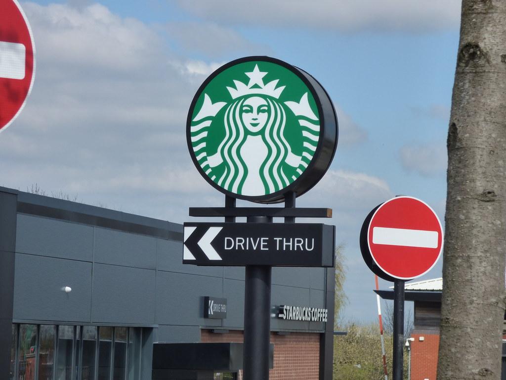 Toda a cena foi registrada pelas cameras de segurança da Starbucks (foto: pixabay)