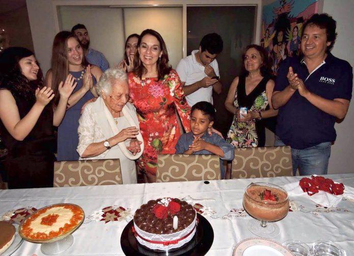 Megan com sua família brasileira
