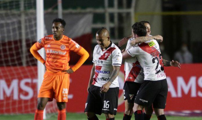 Vice-campeão brasileiro sentiu a altitude e foi batido pelo clube boliviano (Foto: STAFF Images/Conmebol)