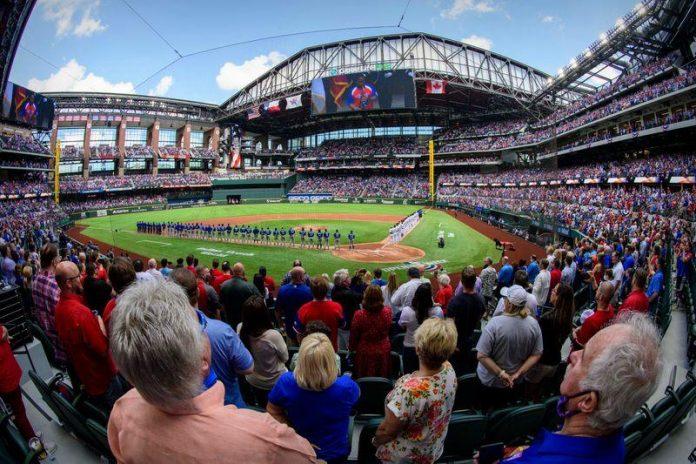 Os Rangers são o único time da liga de beisebol a permitir estádios lotados, graças ao governador do Texas, Greg Abbott (Foto: Jerome Miron/USA Today/Reuters)