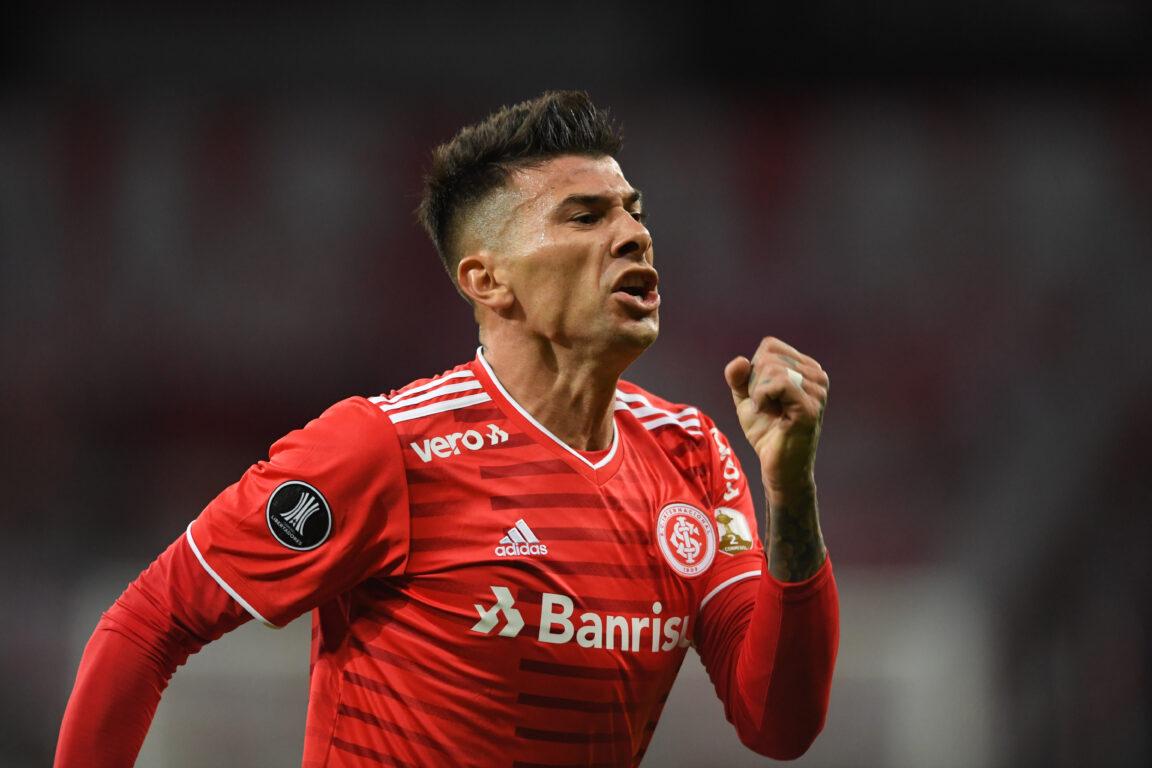 Victor Cuesta marca o primeiro gol do Colorado na Copa Libertadores 2021 (Foto: Ricardo Duarte/Internacional)