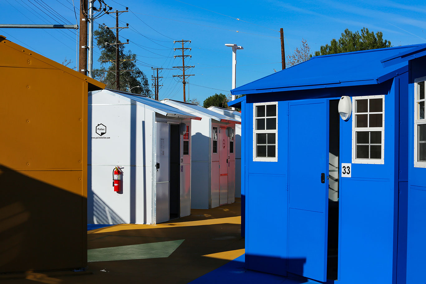 Minicasas do governo para abrigar moradores de rua (Foto: Mayor Eric Garcetti/Flickr)