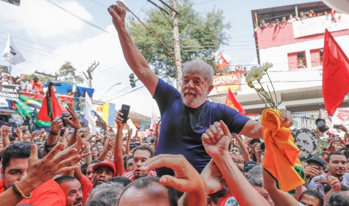 Após sair da prisão, ex-presidente desponta como principal opositor de Bolsonaro (Foto: Comitê Lula Livre)