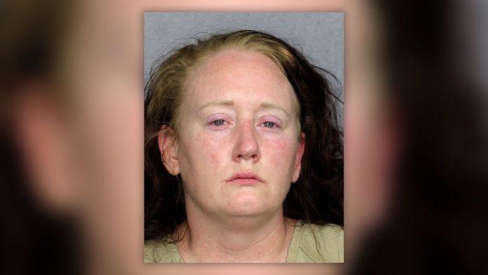 Mulher está presa por torturar menino de 13 anos com problemas mentais (Foto: BSO)