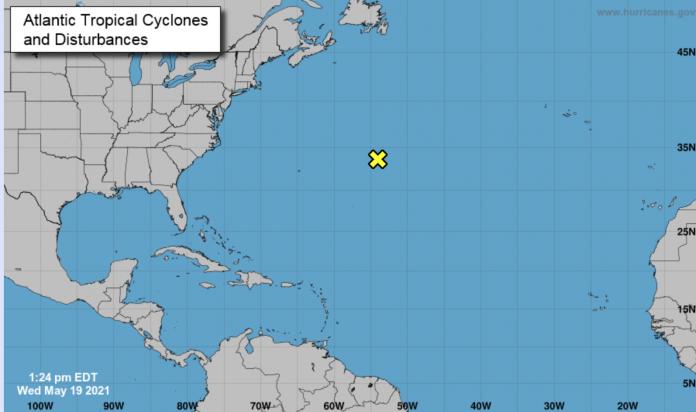 Espera-se que o sistema se mova para o sudoeste, na sexta-feira (21), longe da costa dos EUA ( crédito: NHC)