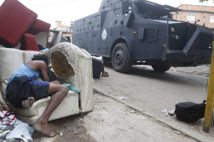 Polícia fez operação nesta quinta (6) na comunidade do Jacarezinho, Zona Norte do RJ (Foto: Reginaldo Pimenta/Agência O Dia/Estadão Conteúdo)