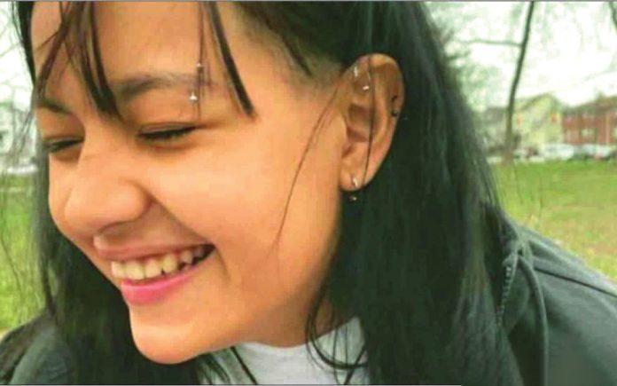 Bárbara Pereira, de 18 anos, é portadora de uma doença rara denominada Niemann Pick B (Foto: GoFund.me)
