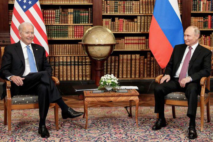 Os EUA e a Rússia concordaram em reintegrar seus embaixadores, disse o presidente russo, Vladimir Putin, na quarta-feira, após uma cúpula com o presidente dos EUA, Joe Biden (Foto: REUTERS/DPA)