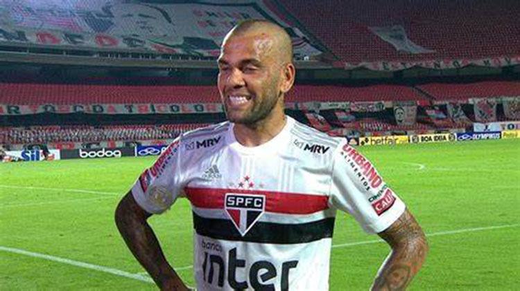 Daniel Alves, veterano lateral do São Paulo, liderará equipe na busca pelo ouro no Japão (Foto: São Paulo FC)