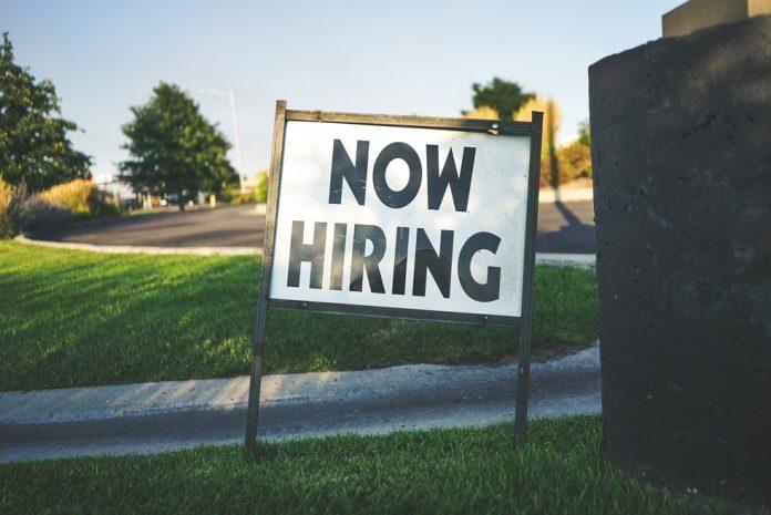 Criação de empregos nos EUA supera expectativas dos especialistas (Foto: Unsplash)