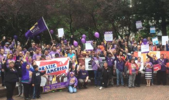 Manifestação foi organizada pelo Sindicato Internacional de Prestadores de Serviços (foto: SEIU)