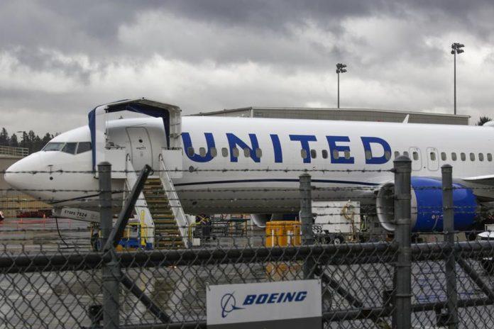 Um Boeing 737 da United Airlines Boeing 737 Max foi fotografado na fábrica da Boeing em Renton, Washington, em novembro de 2020 (Foto: AFP)