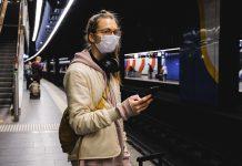 Máscaras ainda são obrigatórias em transportes públicos (Foto: Anna Shvets/Pexels)