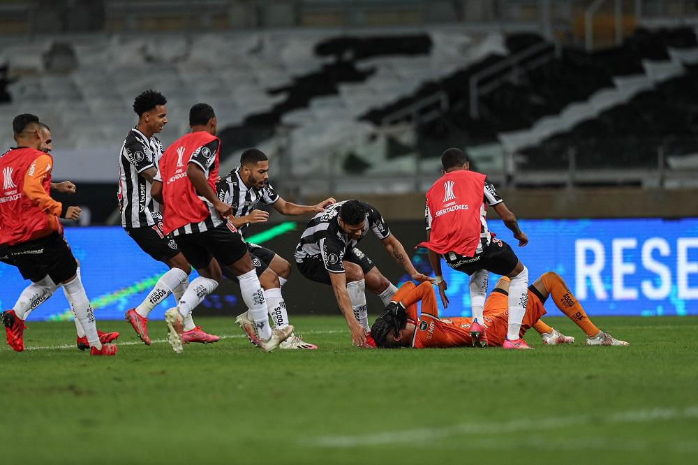 Jogadores do Galo comemoram classificação após o gol marcado pelo goleiro Everson, na série de pênaltis (Foto: Clube Atlético Mineiro/Pedro Souza)