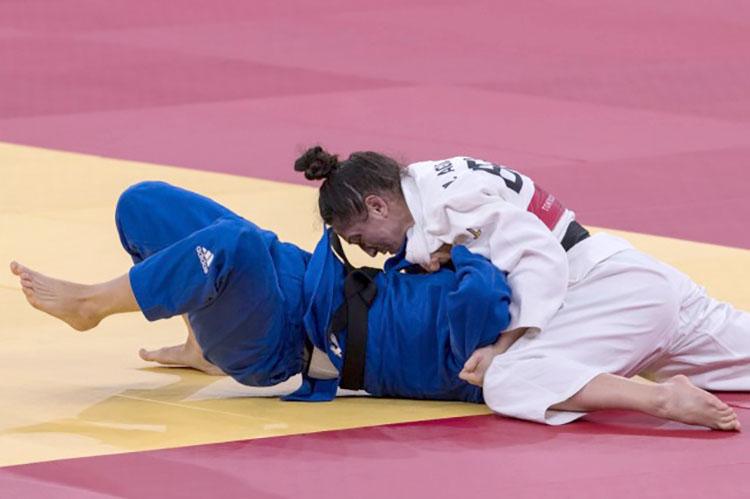 Depois de Londres-2012 e Rio-2016, a judoca fatura sua terceira medalha em Jogos Olímpicos (Foto: cbj.com.br)