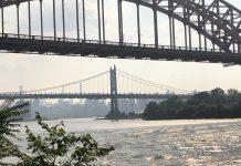 Vista dos prédios de Manhattan do Queens, NY, durante uma tarde de smog (Foto: Sandra Colicino)