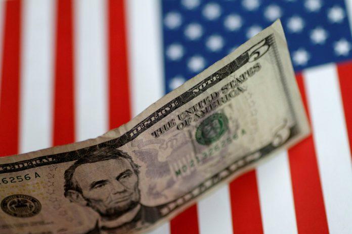 Neste mês a moeda americana já subiu 5,36%