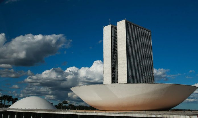 Plenário da Câmara dos Deputados (foto) rejeitou, por 229 votos favoráveis, 218 contrários e uma abstenção, a Proposta de Emenda à Constituição (PEC) 135/19, que torna obrigatório o voto impresso (Foto: Marcelo Casal/Agência Brasil)