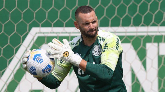 O goleiro Weverton certamente estaria no time titular da Seleção Brasileira