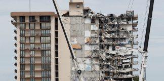 Dinheiro recuperado nos escombros do edifício desmoronado será entregue às famílias das vítimas (Foto: Reuters)