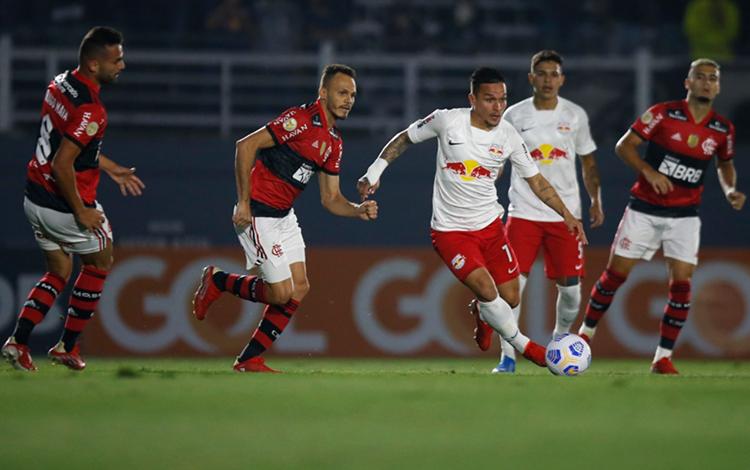 Artur foi autor de um golaço no empate com o Flamengo em casa (Foto: Ari Ferreira/Red Bull Bragantino)