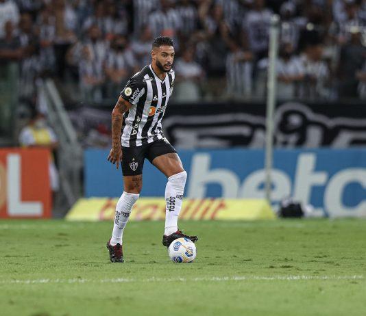 O zagueiro Nathan Silva fez um gol de cabeça na vitória sobre o Santos em Belo Horizonte (Foto: Pedro Souza/Clube Atlético Mineiro)