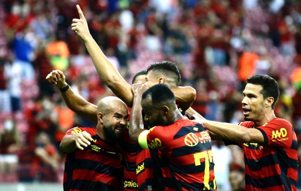 Jogadores do Sport Club do Recife vibram com a abertura do placar (Foto: Anderson Stevens/Sport)